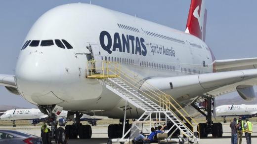 Uno de los A380 de Qantas después de llegar a Victorville en julio.