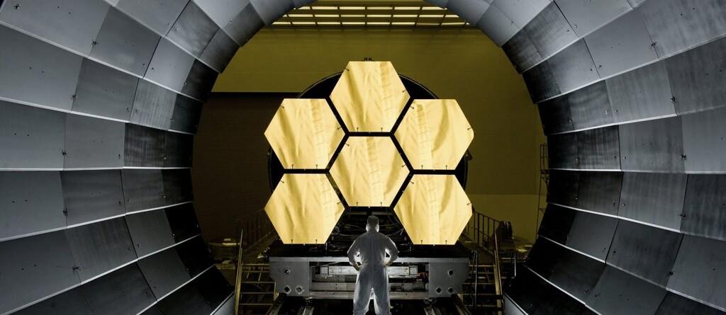 El espejo dorado para el James Webb es el más sofisticado espejo jamás construido y desnudará el universo